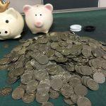 レア硬貨を探して… ブタさん貯金箱 の 計数作業、いざ尋常に始めっ!