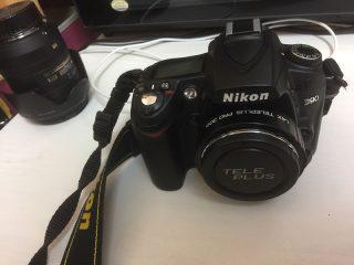 テレコンを付けたNikon D90の写真